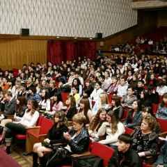 Студенты могут посетить столичные театры  бесплатно